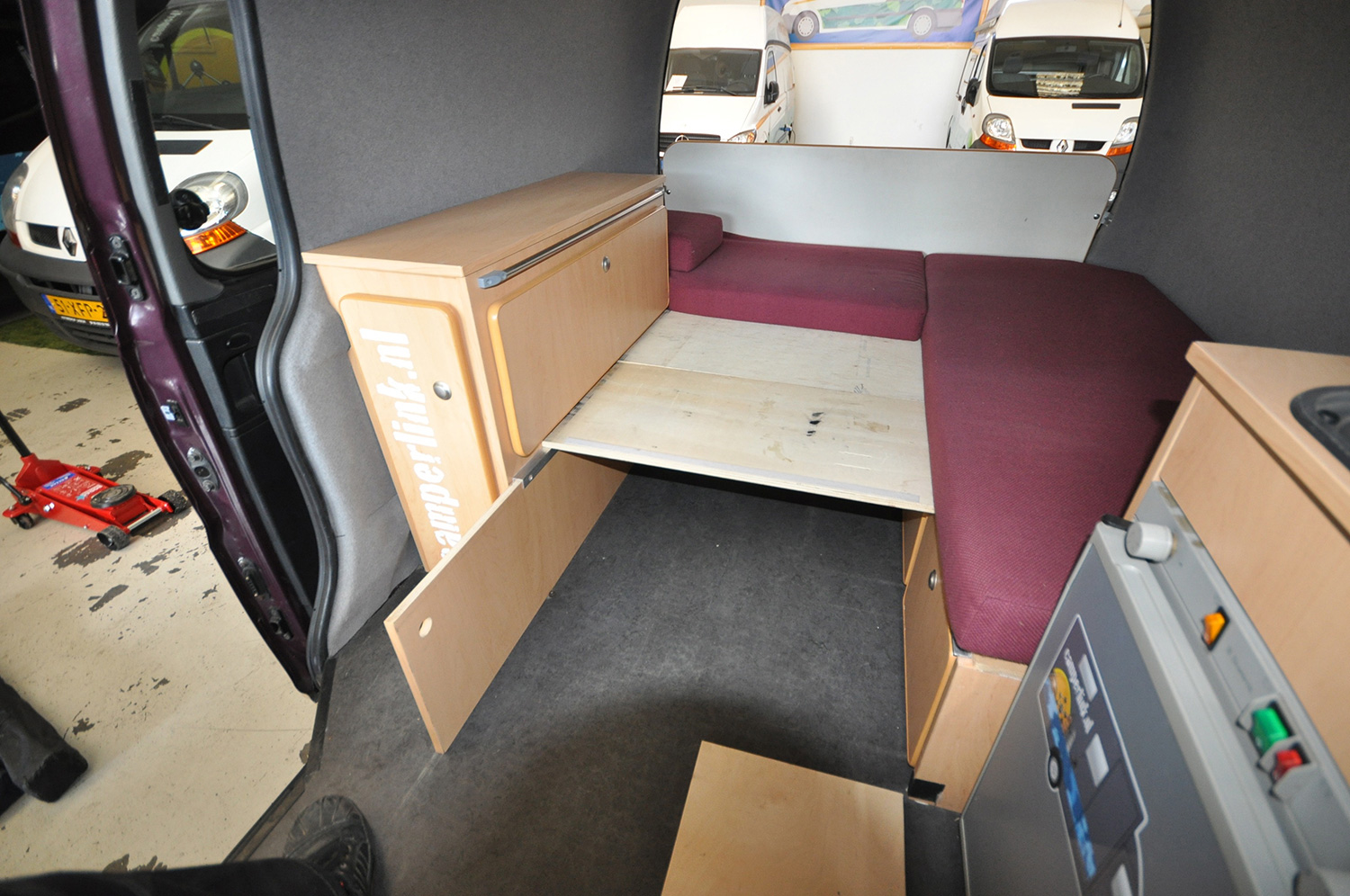 Type 1 Compact Camper Xl Bed Red Hyundai H200 Wiring Diagram These And Trendy